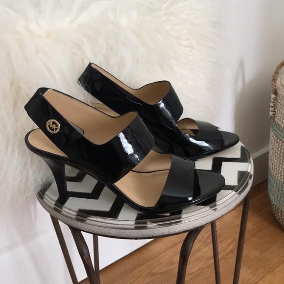 New Michael Kors sandals NWOT